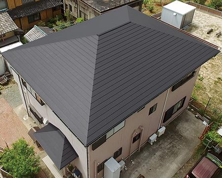 耐久性·快適性·意匠性が見事に融合した屋根材の新しいスタンダード