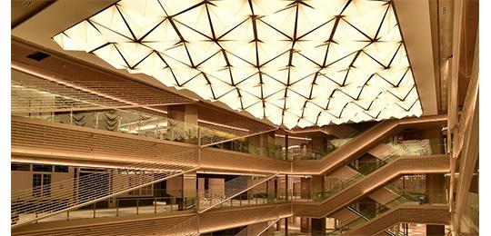 膜天井のパイオニアとして、様々な膜材料の使い方をご提案致します!