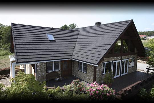 国内で15年以上実績のある高品質の屋根材を提供します
