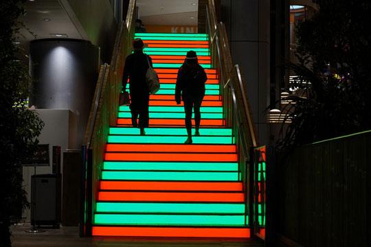 光る階段 LE-STEP