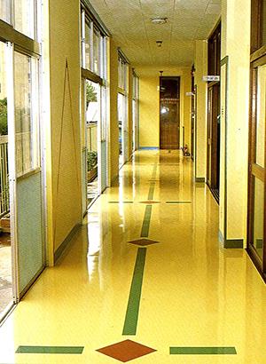 シームレスな塗床材「パールフロアー」の特徴とは・・・