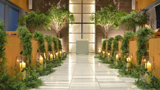壁面装飾や造花、人工樹木を使った空間のトータルデコレーション