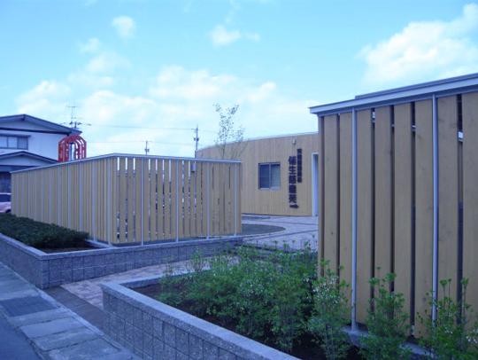 環境配慮型の無色透明な防腐処理木材「マーベルウッド」