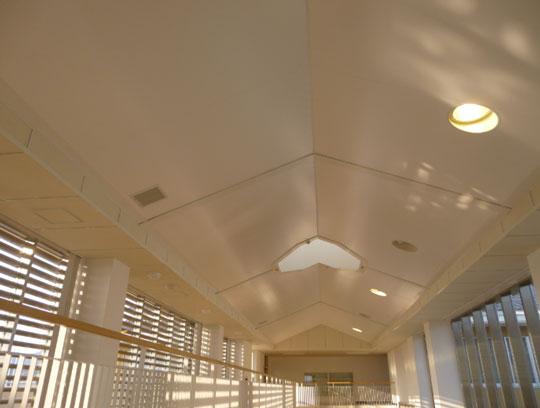 安心・安全な天井「ファイバーシート天井システム」とは? 製品紹介