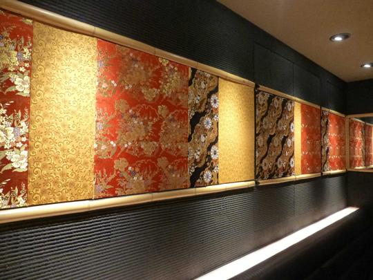 金糸や銀糸、金銀箔を織り込んだ雅やかな紋織物「金らん」 製品紹介