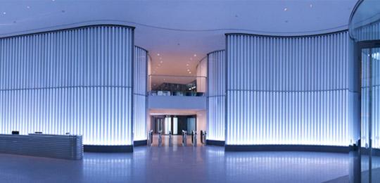 斬新なガラス装飾材として幅広く対応可能なコンチュラックス管(DURAN®特殊成形装飾部材)