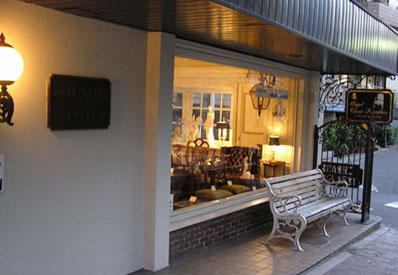 大和金属工業 東京営業所・家具ショールーム(Angelot)ヨーロッパ直輸入家具を多数展示 ショールーム