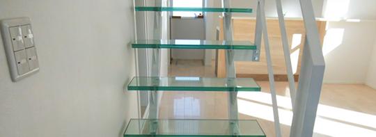 リフォーム、注文建築に【強化ガラス階段のすすめ】