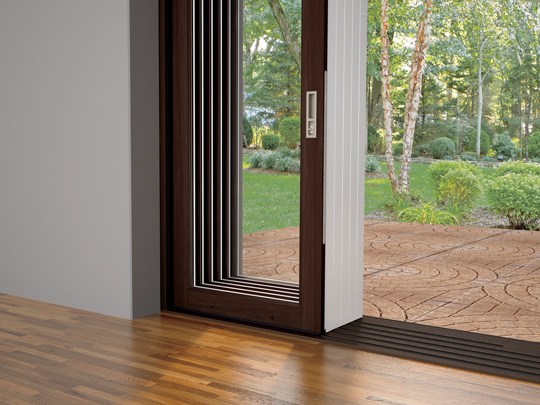 幅15m×高さ3m以上の大開口を可能にする クラッド・アルティメット・マルチスライド・ドア 新登場! 新製品