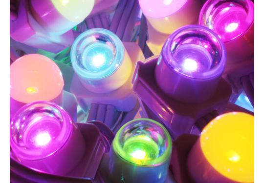 発光部1個あたりの輝度が1.8倍に向上したフルカラーLED照明
