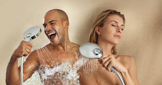 ボタンひとつでヘッドマッサージもできるハンドシャワー「パワー&ソウル」