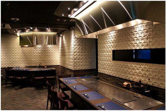 石材のような質感の完全不燃材を使用した装飾レリーフ壁材