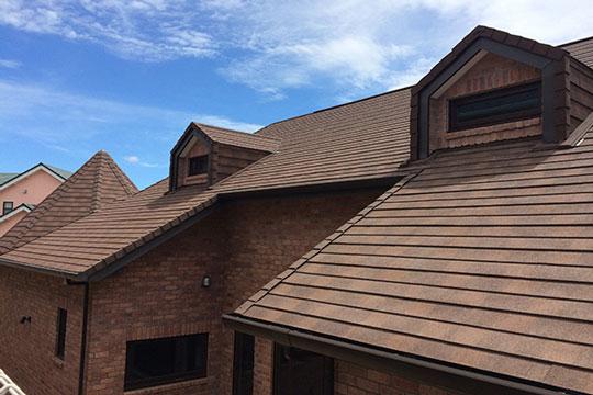 外壁としても使用できる美しい屋根材『ディプロマット』