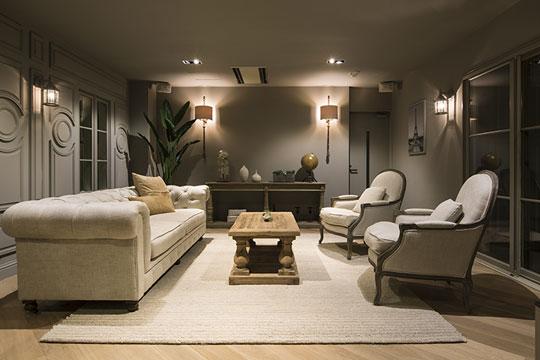 ホンモノの輸入建材や家具をショールームでご覧いただけます ショールーム