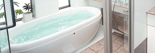 リゾートホテルを彷彿させる「たまご型」の浴槽付ユニットバス