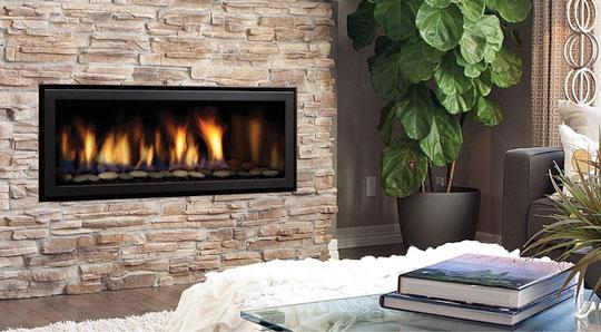エアコンのように手軽な操作で本物の炎を楽しめる「Regencyコンテンポラリーガス暖炉」 製品紹介