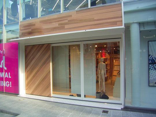 日本アコーディオンドア販売株式会社より全開放可能な「引き戸」のご紹介です!