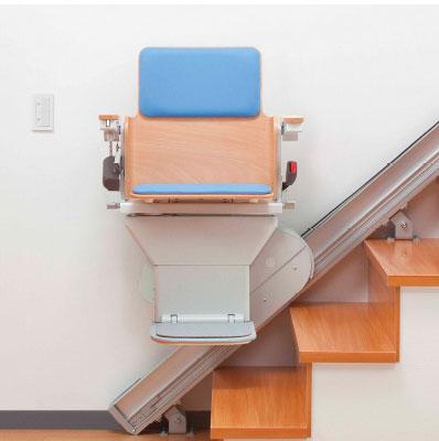 ご家庭用から、駅や公共施設で様々な階段昇降機をサポートします。 製品紹介