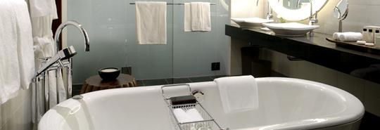 熟練マイスターによる完全オーダーメイドのバスルーム