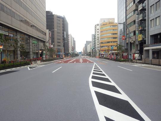 道路の維持や更新を効率的に行い、安心安全を守ります