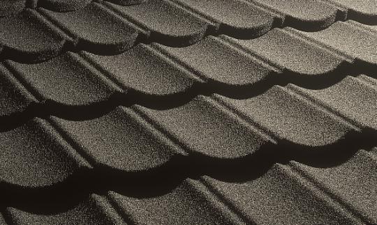 天然石とガルバリウム鋼板のハイブリッド屋根材を展示