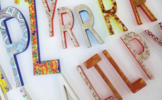 業界初のアート文字で多彩なデザインの表現が可能に!