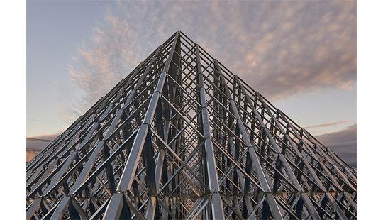 高柳板金「ピラミッドアート・ダイヤモンドタワー」をご紹介します!