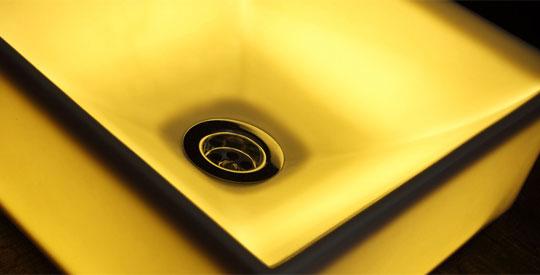 独自開発によるLEDと組み合わせた【透ける陶器】納品事例をご覧ください。