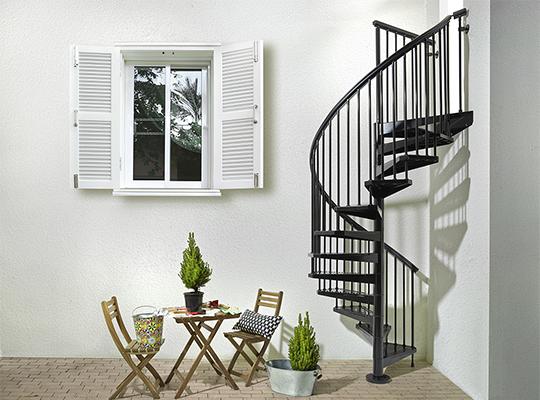 スチール製屋外らせん階段に新商品が登場! 新製品