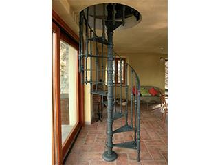 デザインらせん階段『鋳鉄製らせん階段シリーズ』