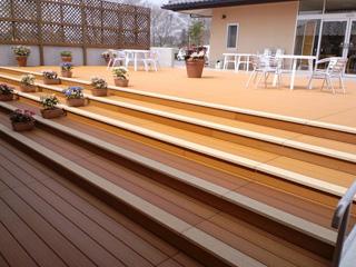 ベンチ・階段 人工木材 「アート・コム・ウッド」
