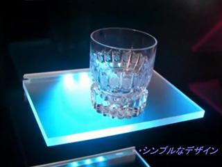 簡単施工の「LED光る棚板」