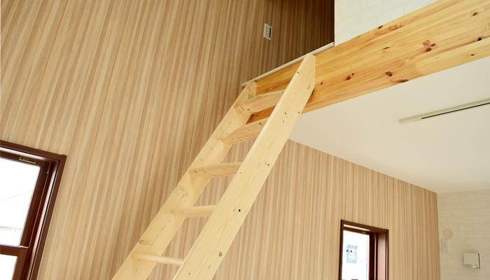 北欧産【デザインステップ】 木製ロフト階段