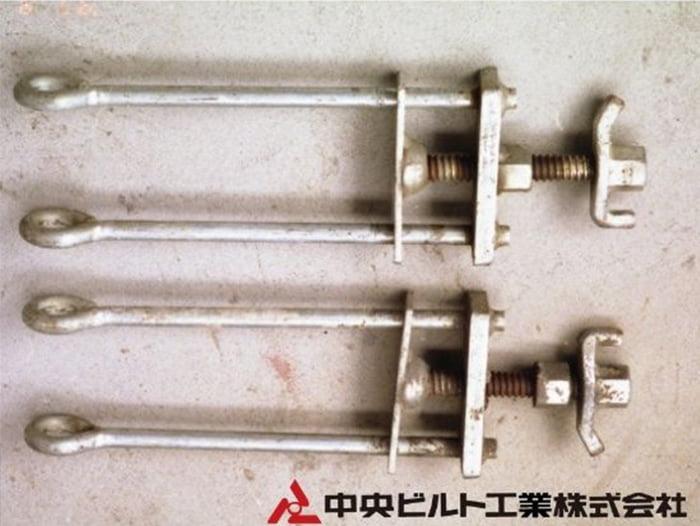 アルコラム(軽量・アルミ製柱型枠締め付け金具)