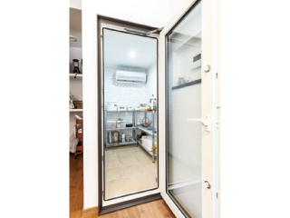 住宅用大型冷蔵庫【クルム・ネオ】