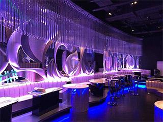 BARやクラブの空間装飾に最適な内装用デザインウォール「DimpleShade」