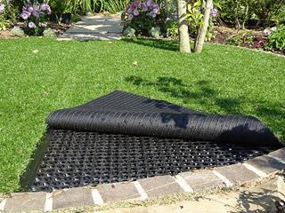 砂利固定や人工芝下の排水に!『e-センティア』