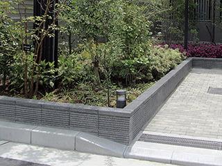 『ブラストマックス』ボーダーラインのコンクリート製壁材・組積材