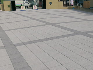 『ミックミストラル』モダンな印象を演出するコンクリート製舗装材