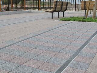 『ミックグランデ』限りなく石の質感を追求したコンクリート製舗装材【擬石平板】