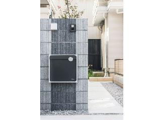 戸建住宅向け 大型郵便物対応ポスト【Qual】壁付タイプ