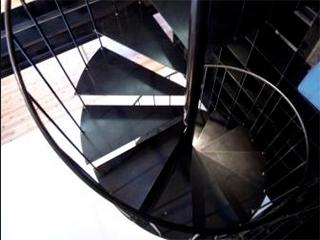 階段 ~黒皮素地仕上~