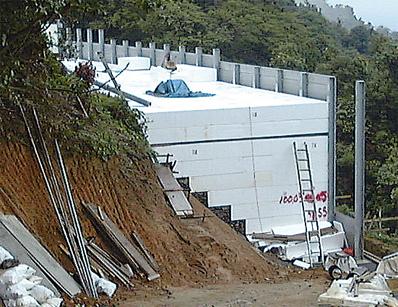 交通振動軽減対策【エスレンブロックSV】
