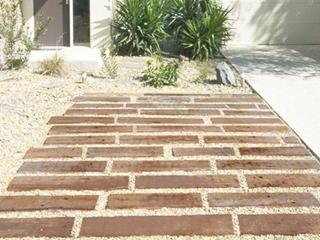 英国製コンクリート枕木 ウッドストーンペイブ