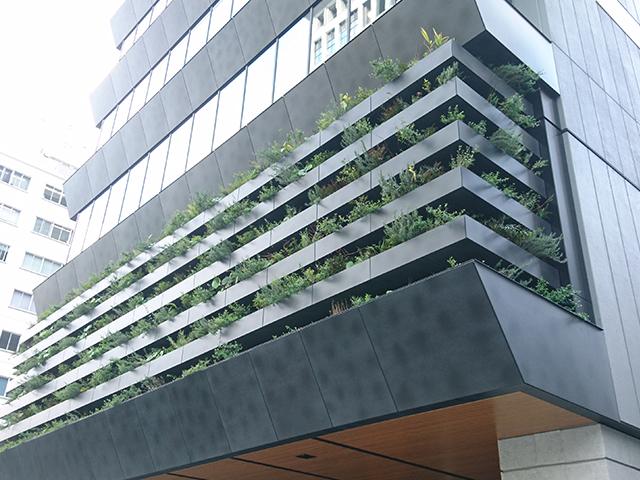 SR-L  ルーバータイプの壁面緑化システム