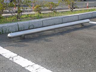 ステンレス製駐車ブロック「TOMERUNO」