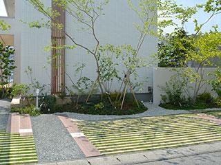コンクリート製植生舗装材【リビオ[ai]緑化】