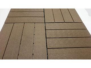 エコで高耐久、人工木材のパネルデッキ