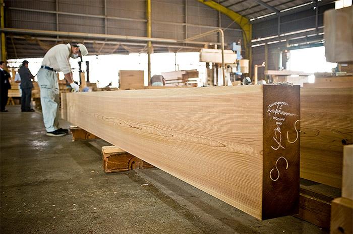 林業から製材、プレカット加工までの一貫生産体制